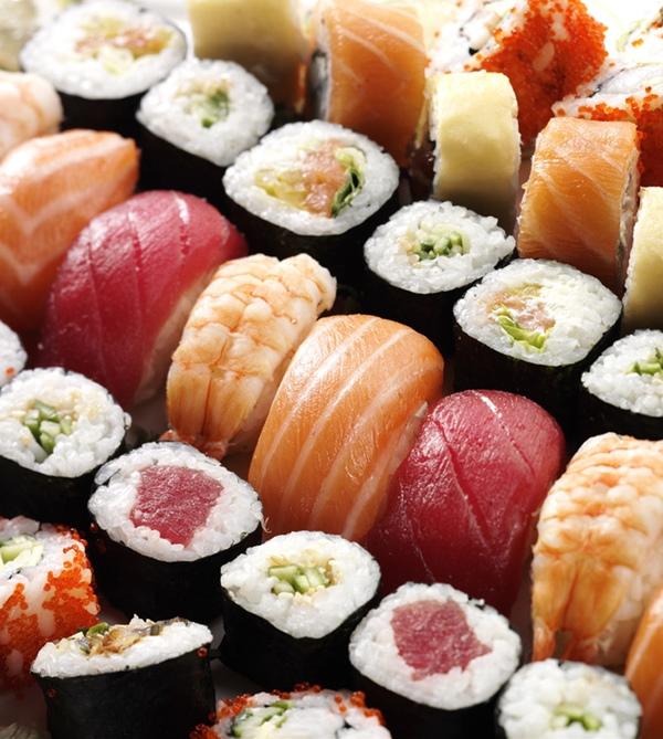 Incontrarsi a tavola non solo sushi